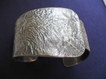 Reticulated cuff