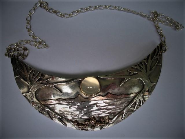 Moonlore Pendant I