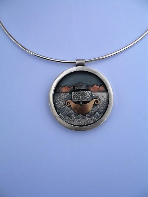 porthole pendant