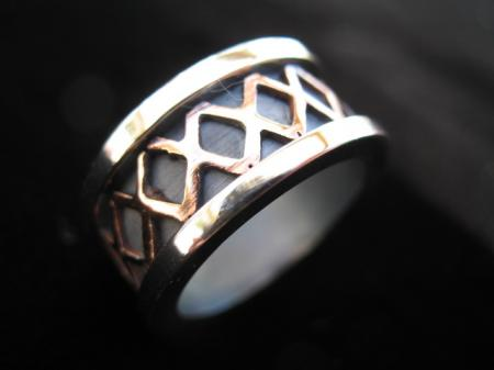 Kisses Ring